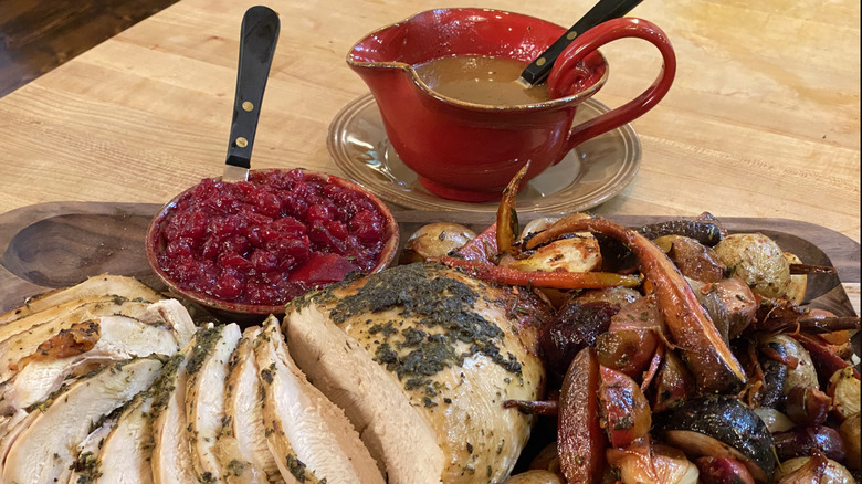 Rachael Ray's one pan Thanksgiving dinner
