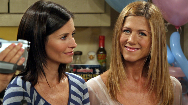 Jennifer Aniston and Courtney Cox on Friends