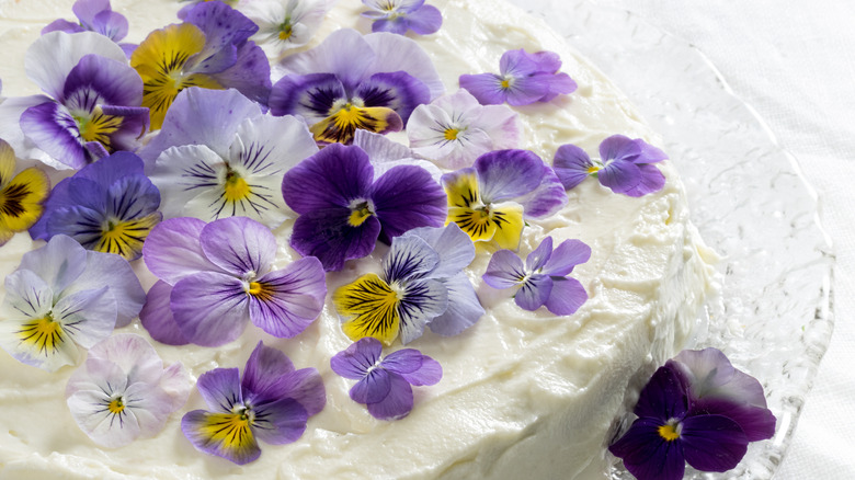 A cake with pansies