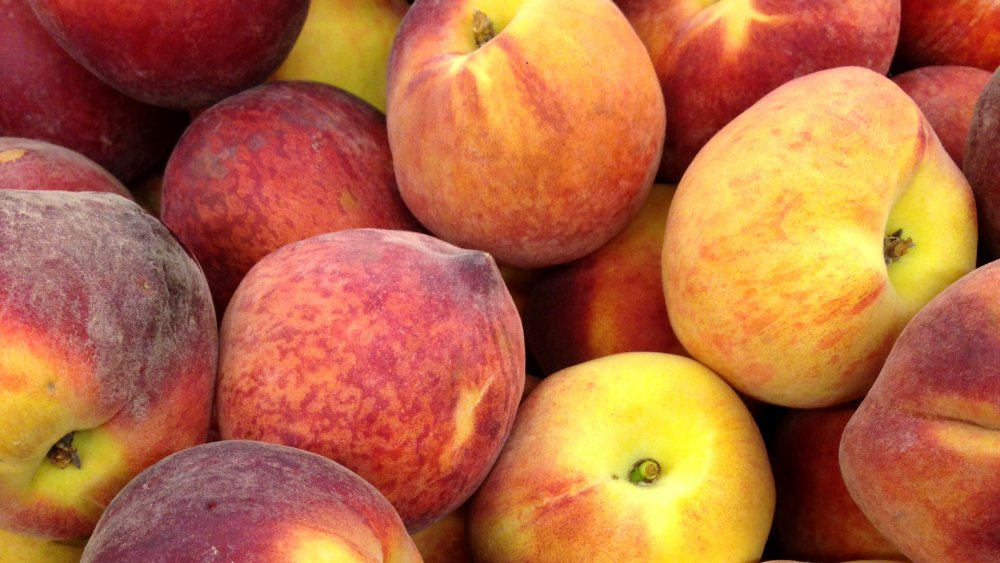 Cluster of peaches
