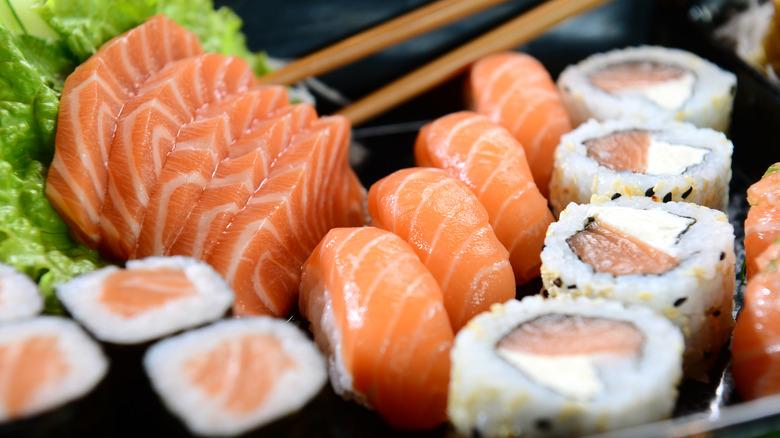 Sushi rolls in tray