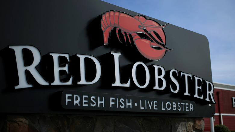 The sign at a Red Lobster seafood restaurant franchise location