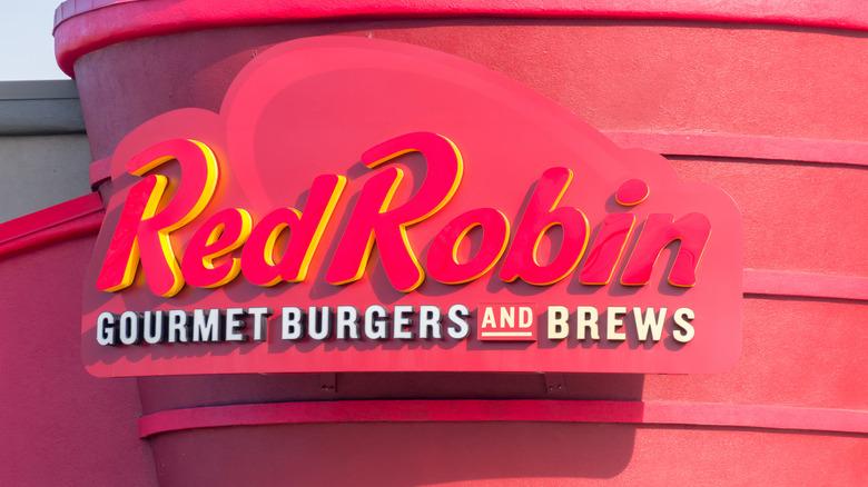 Red Robin restaurant sign
