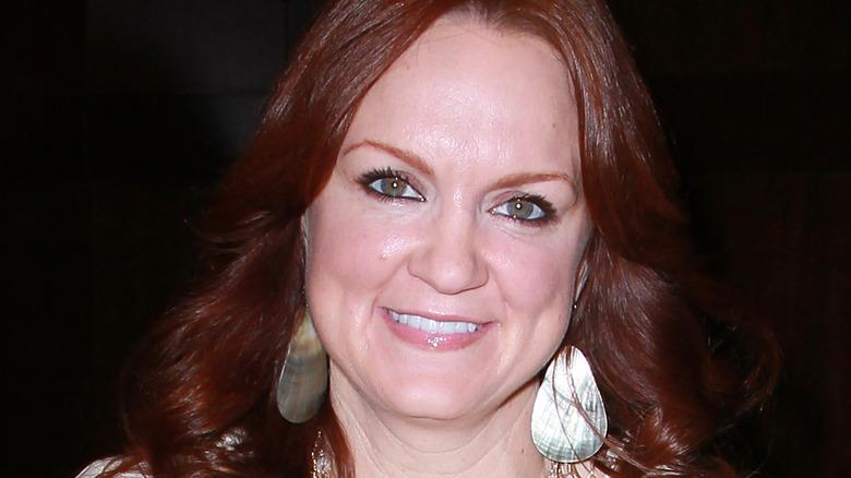 Pioneer Woman Ree Drummond in earrings