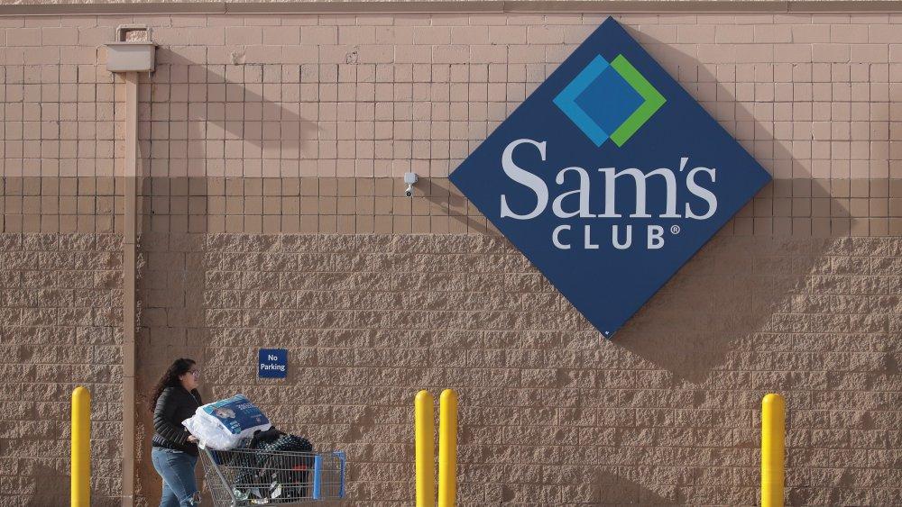 Sam's Club outdoor signage