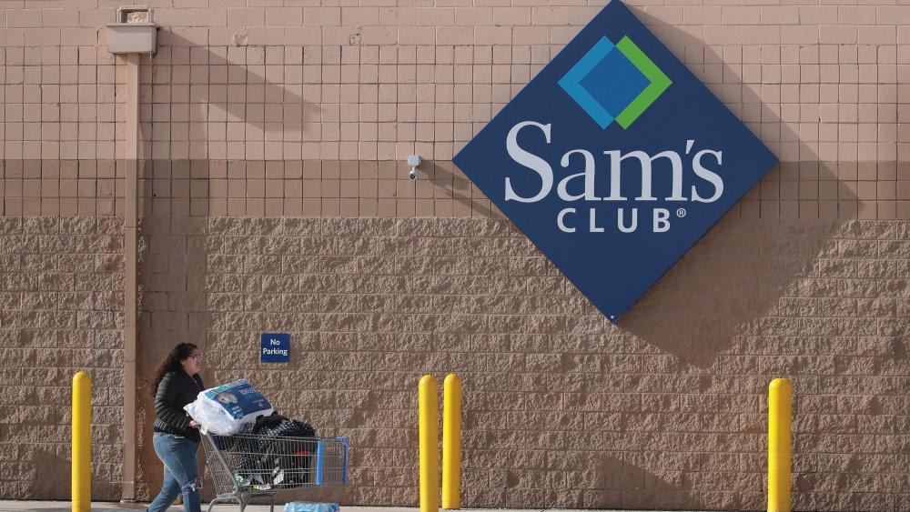 Woman shopping at Sam's Club