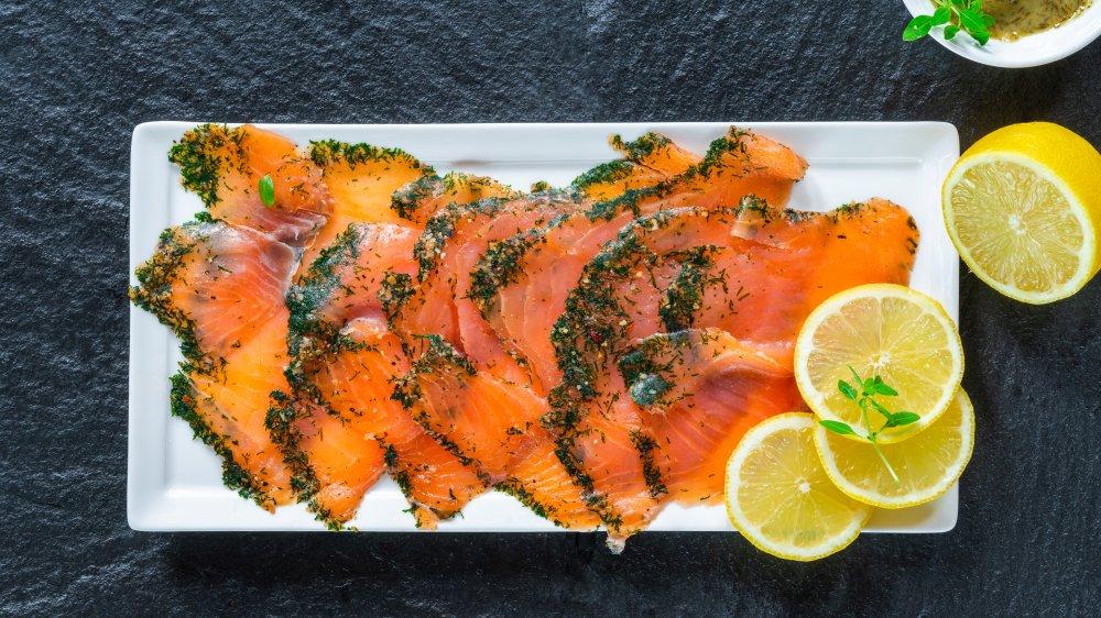 Nordic gravlax smoked salmon lemon