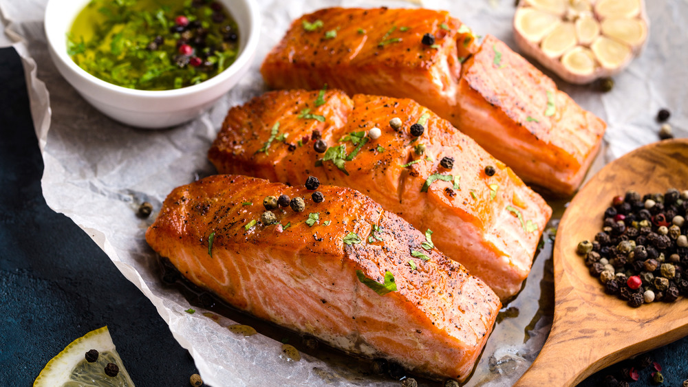 Cooked salmon fillets with garlic and spices