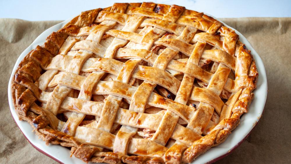 classic lattice apple pie