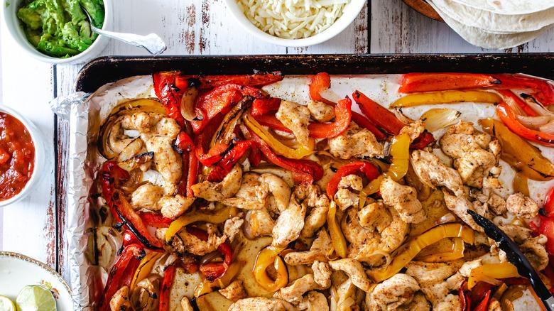 sheet pan chicken fajitas dinner