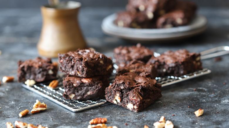plate of fudge brownies