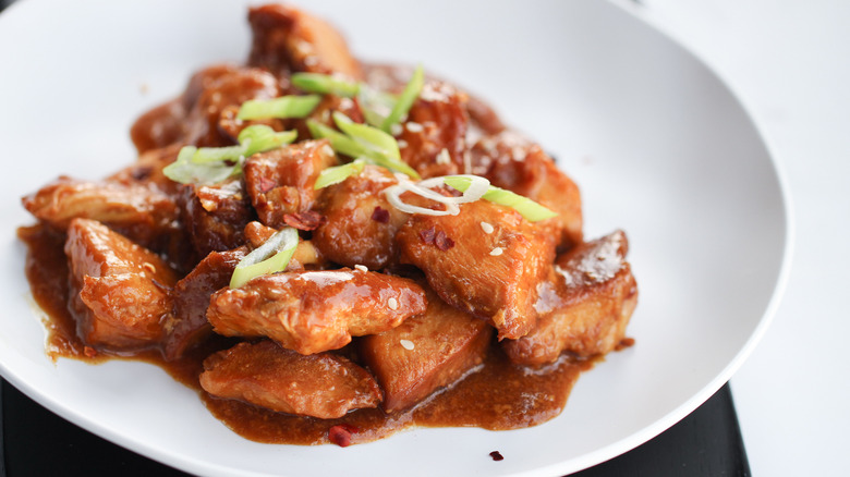 Slow Cooker Honey Garlic Chicken served on a plate