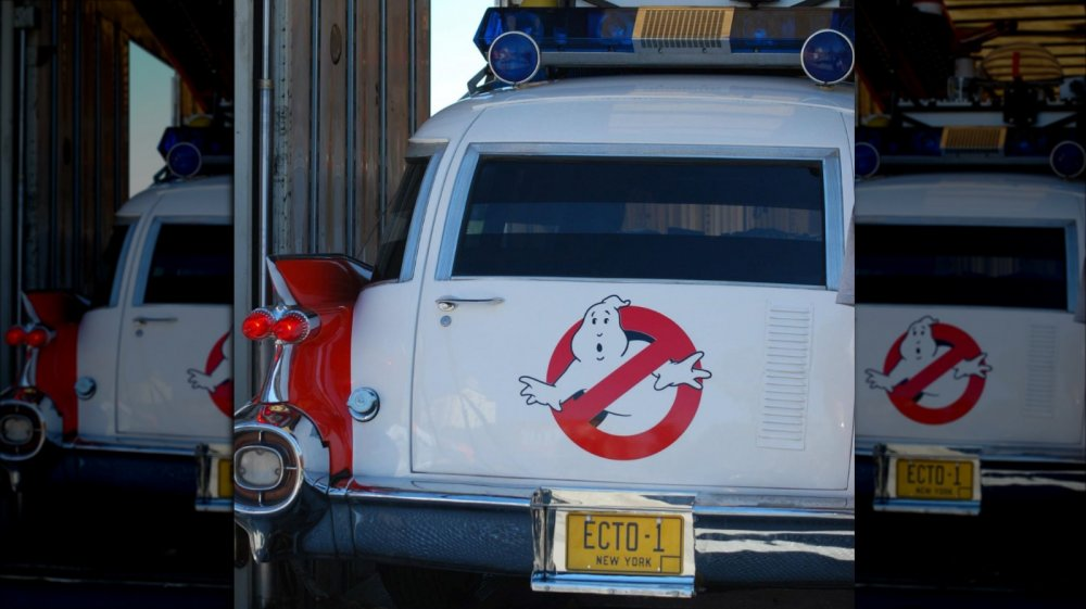 Ghostbusters logo on station wagon