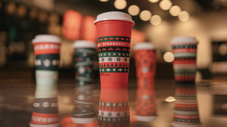 Starbucks holiday drink cups 2020