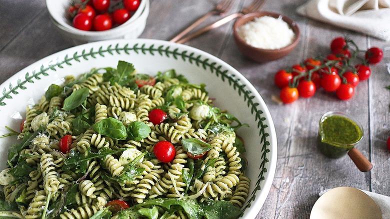summer pasta pesto salad