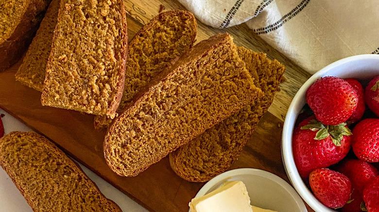 pieces of sliced bread