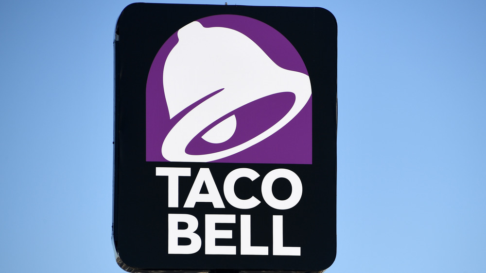 Taco Bell storefront sign