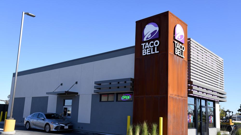 taco bell drive thru