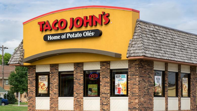 Taco John's storefront exterior