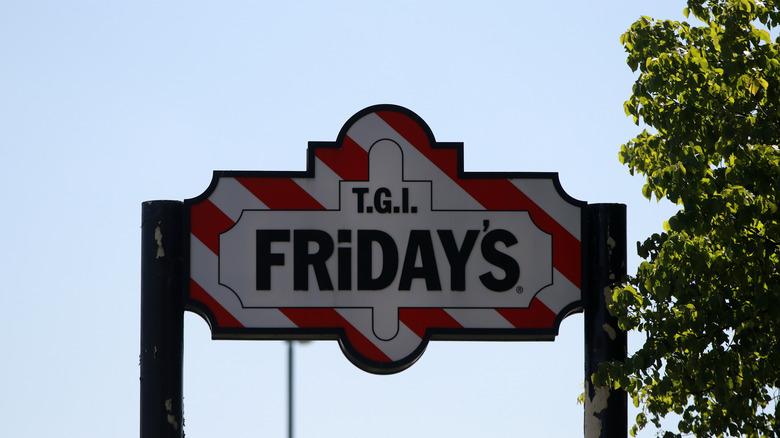 TGI Fridays Signage