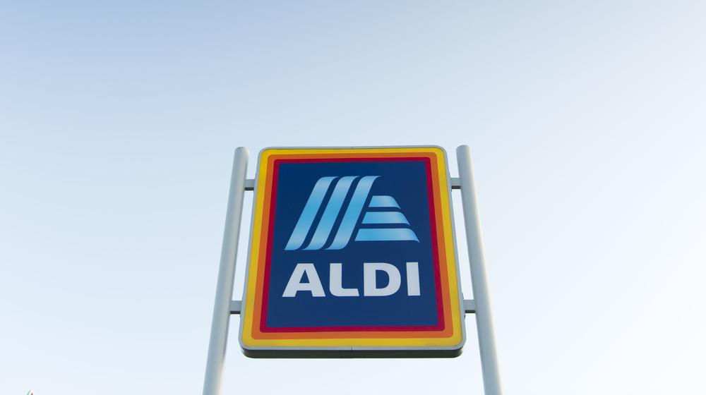 Aldi storefront sign