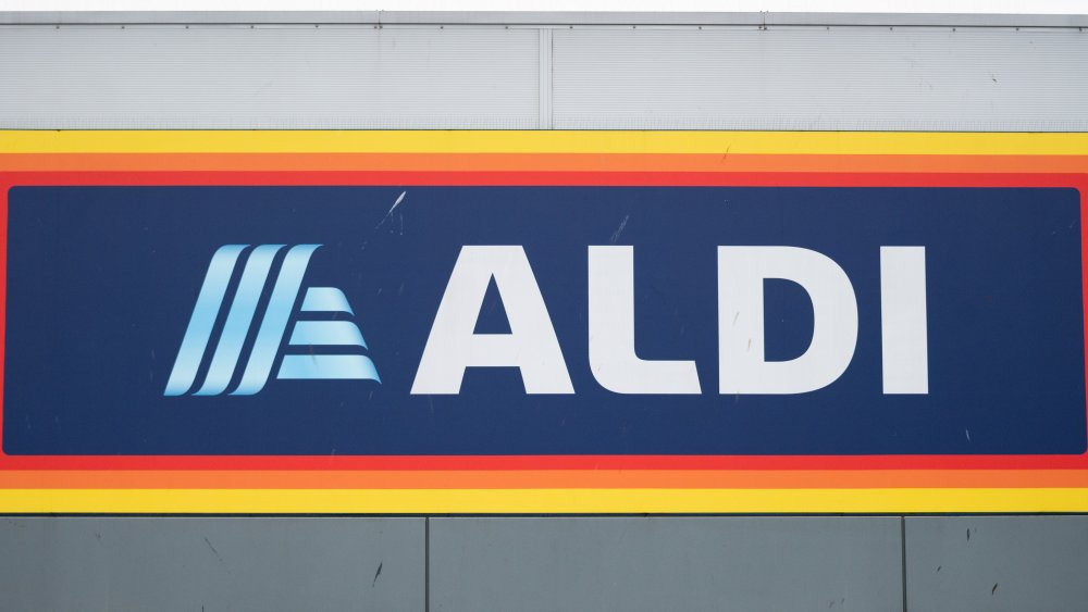 Aldi store sign