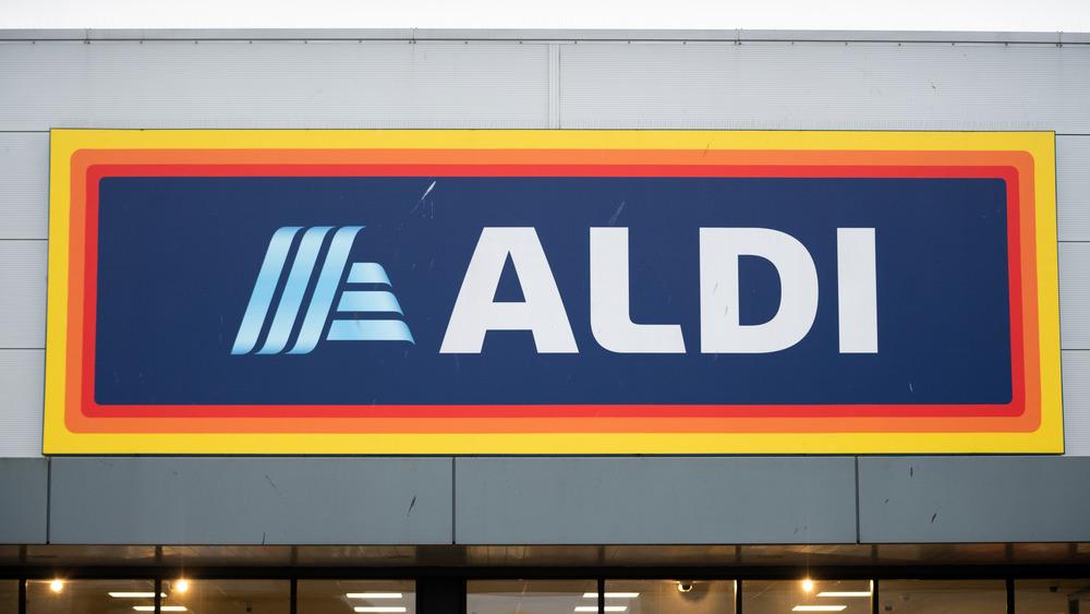 An Aldi sign on a building