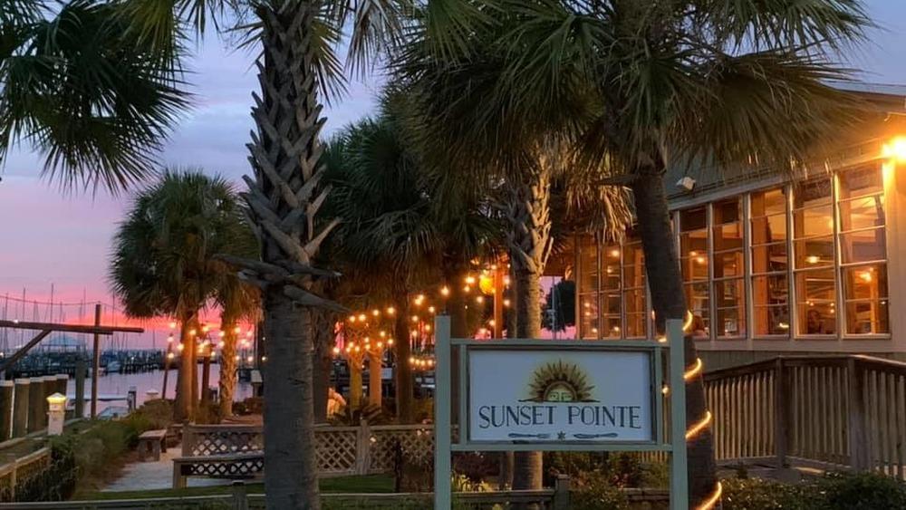 Sunset Pointe restaurant in Alabama