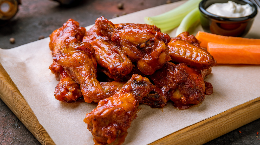 buffalo wings and vegetables