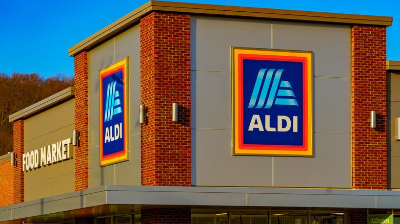 Aldi store signs