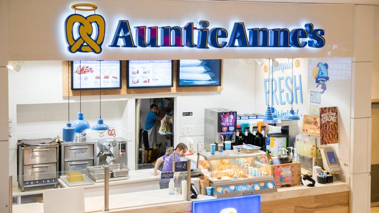Auntie Anne's pretzels mall kiosk