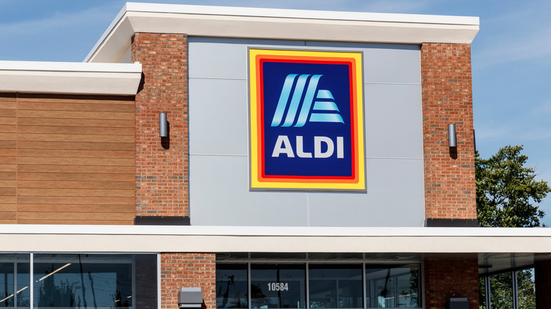 Exterior of an Aldi store against blue sky