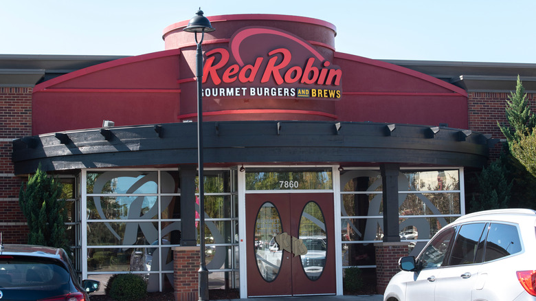 Red Robin building