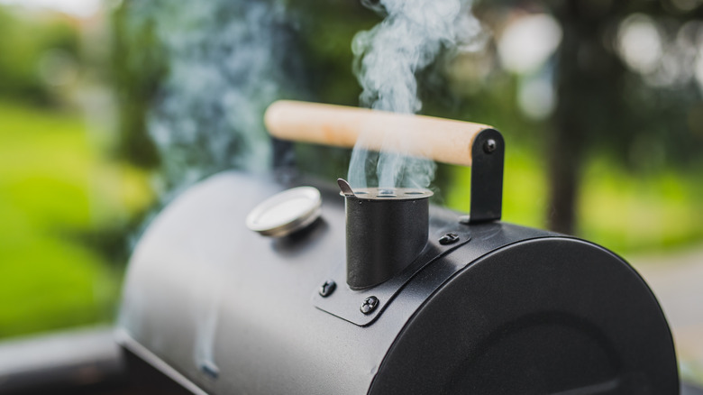 Charcoal smoker for cooking