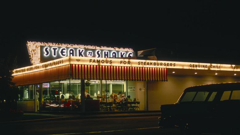 Classic Steak 'n Shake exterior