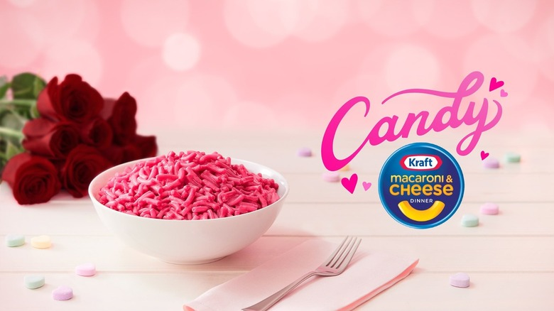 Pink Kraft macaroni and cheese with roses