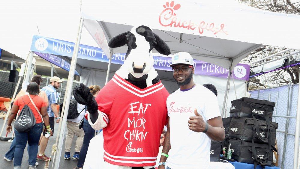 Eat Mor Chikin Chick-fil-A mascot