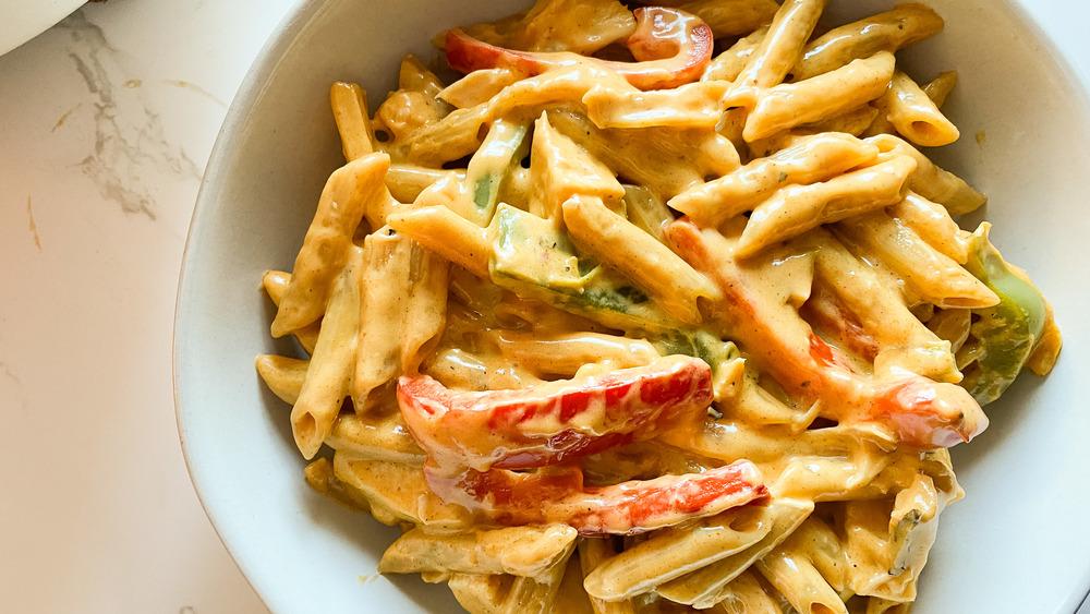 easy chicken fajita pasta