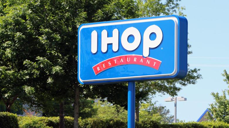 IHOP sign outside