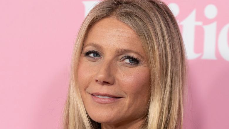 Gwyneth Paltrow in pink lipstick