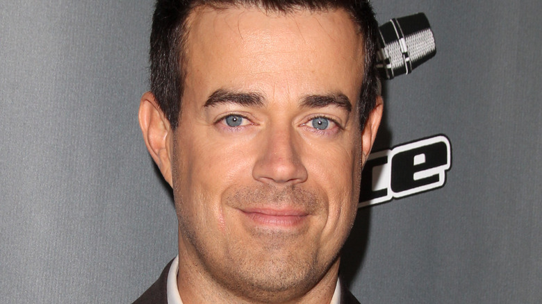 Carson Daly on red carpet
