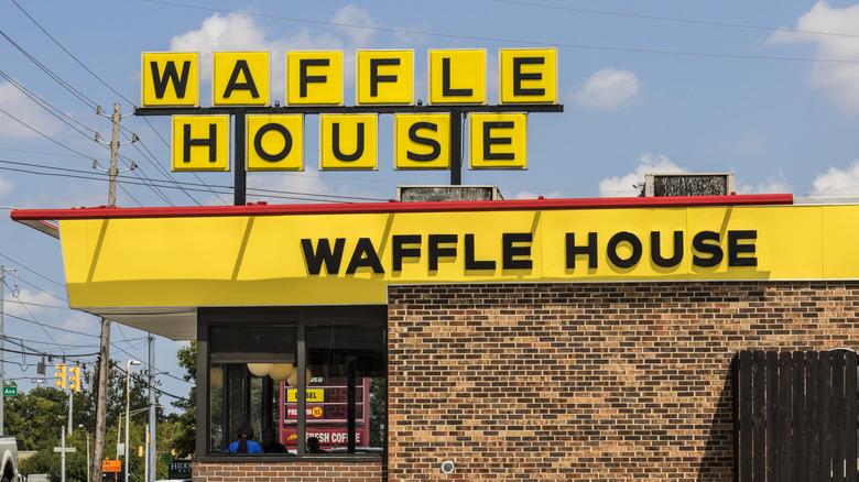 Waffle House building