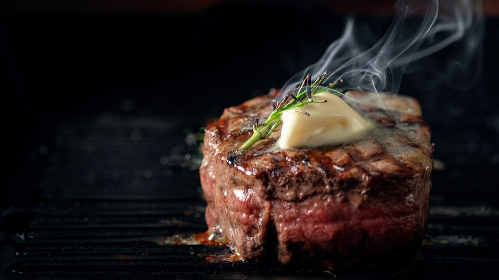 Steamy steak with butter