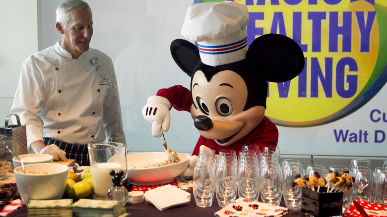 mickey mouse cooking