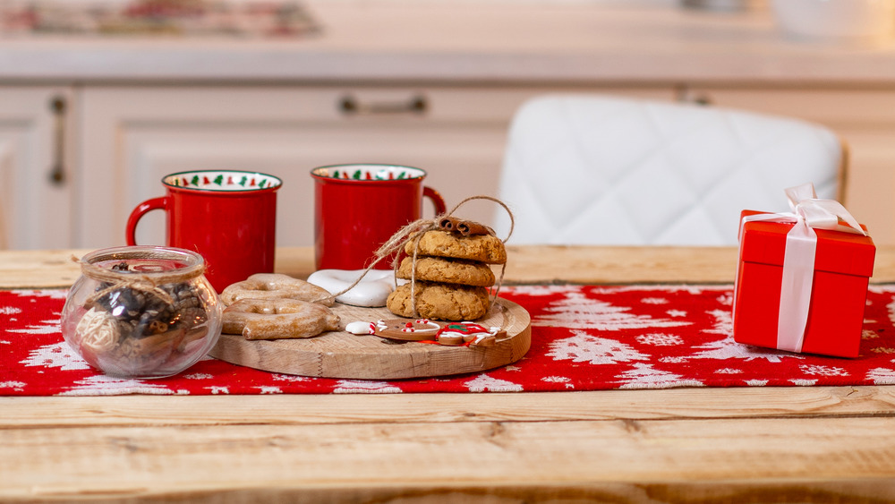 Christmas hot chocolate and cookies