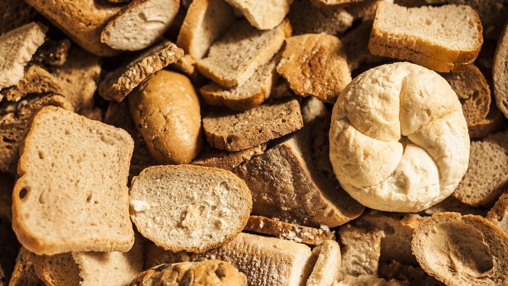 many slices of stale bread