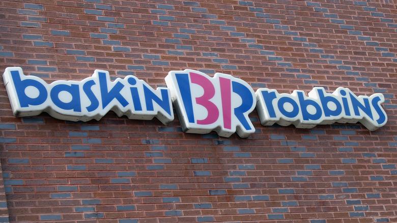 Baskin-Robbins storefront