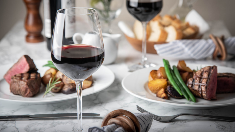 Red wine with steak dishes