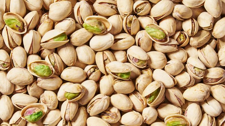 A group of pistachios
