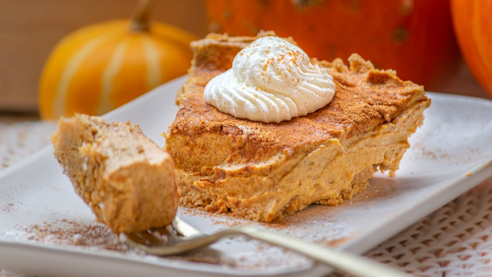 slice of no-bake pumpkin pie